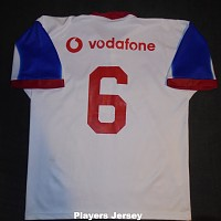 2001 Away signed players jersey #6 rear.jpg