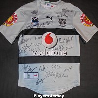 2007 Away signed players jersey #22 front.jpg